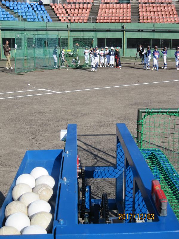 ピッチングマシンによる打撃練習
