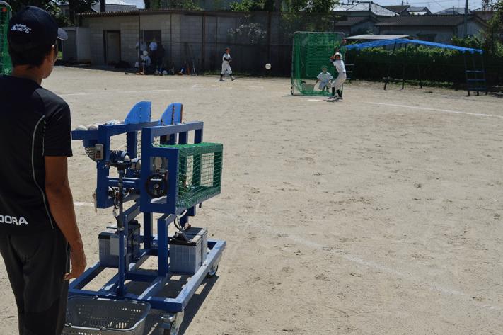 F小学校野球部の打撃練習