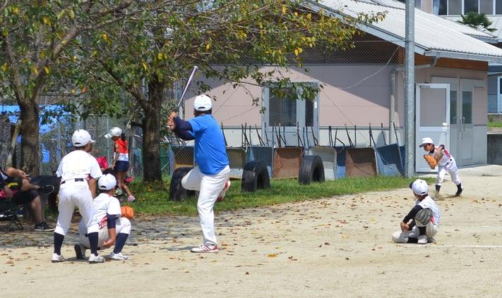 ブルペンで投球練習